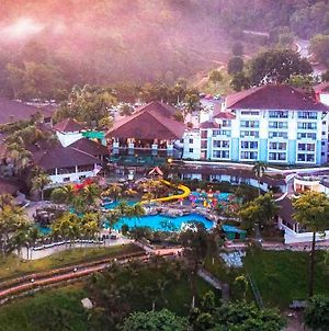 Swiss-Garden Beach Resort, Damai Laut photos Exterior