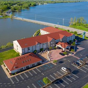 Holiday Inn Express Hotel & Suites Port Clinton-Catawba Island photos Exterior
