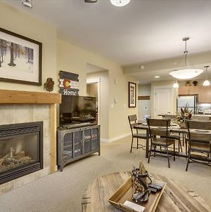 Free Activities & Equipment Rentals Daily - Base Village Ski In-Out Luxury Condo #3129 Huge Hot Tub & Great Views photos Exterior