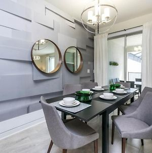 Chic & Sassy 4 Bedroom Town Home Townhouse photos Exterior