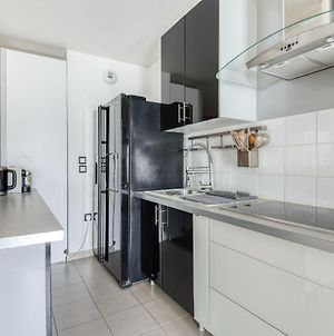 Spacious Apartment With Stunning View Fits Up To 8 By Guestready photos Exterior