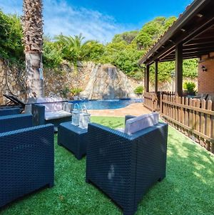 Lloret De Mar Villa Sleeps 15 Pool Air Con Wifi photos Exterior