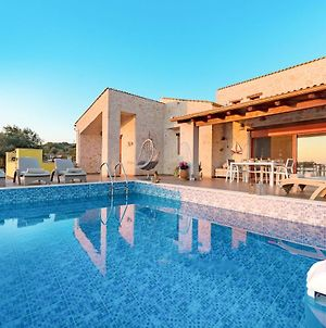 Varvara Villa Sleeps 4 With Pool Air Con And Wifi photos Exterior