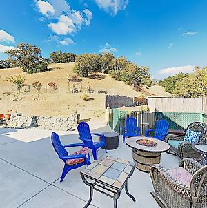 Wine Country Retreat W/ Hillside Pool & Firepit Home photos Exterior