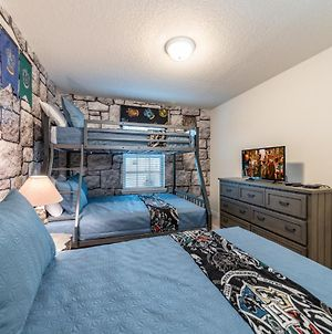 Amazing Home With 2 Themed Bedrooms photos Exterior