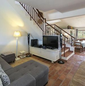 Villa Mare Is A Superb 5 Bedroom Villa Sleeps 12 - Short Walk To Beach Heated Pool Ac And Wifi photos Exterior