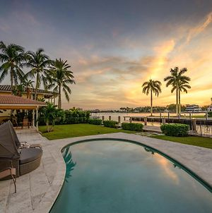 King Of Las Olas Waterway W/ Pool & 80' Dock Home photos Exterior
