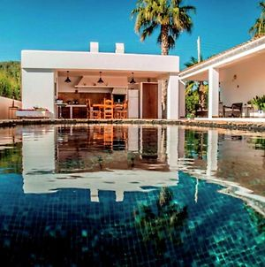 Ideally Located Villa With Pool A Short Drive From Ibiza Town And The Beach photos Exterior