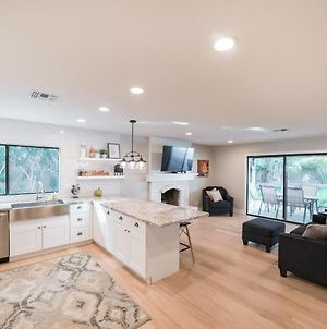 Remodeled 4 Bedroom W/Updated Furniture & Bedding Home photos Exterior