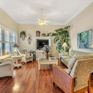 304W ~ Relax With Beautiful Gulf Views In This 3Br/3Ba Center Condo photos Exterior