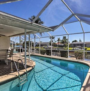 Astounding Waterfront Cape Coral Home With Pool! photos Exterior
