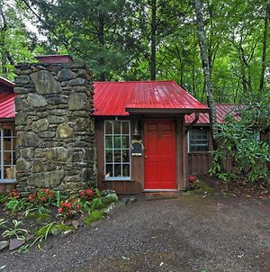 Serene Creekside Cottage Near Asheville With Fire Pit photos Exterior
