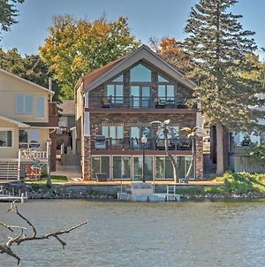 Waterfront Black Hawk Lake Home With Game Room, Bikes photos Exterior