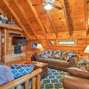 Majestic View Hideaway Cabin With Hot Tub And Views! photos Exterior