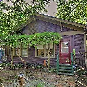 Cozy Houston Home With Yard Near Downtown Attractions photos Exterior