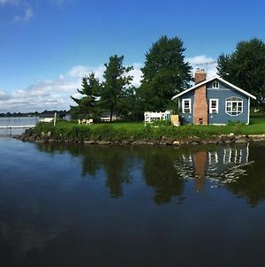 Cozy Fremont Cottage On Lake Poygan With Fishing Dock photos Exterior