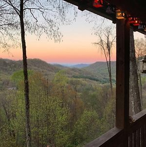 Peaceful Maggie Valley Cabin With Panoramic Mtn Views photos Exterior