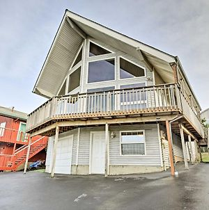 Lincoln City Home With Game Room - Walk To Beach! photos Exterior