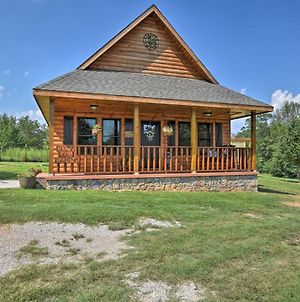 Log Cabin With Great Yard- 2 Miles To Lake Hamilton! photos Exterior