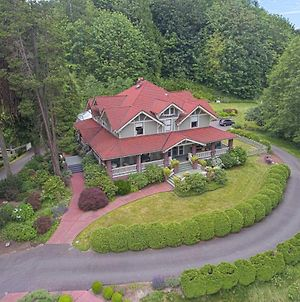 Historic Auburn House On 37 Acres With Private Lake! photos Exterior