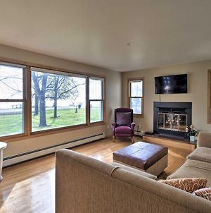 Charming Neenah House With Porch On Lake Winnebago! photos Exterior