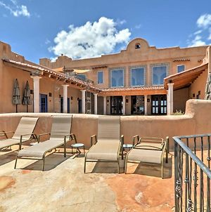 Luxurious Los Cerrillos Hillside Villa With Views! photos Exterior