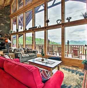 Expansive Sevierville Cabin With 2 Decks And Hot Tub! photos Exterior
