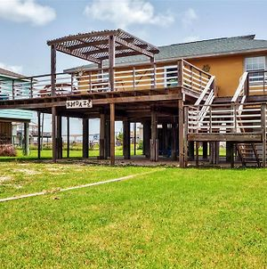 Beautiful Beach House With Sunset View And Large Deck! photos Exterior