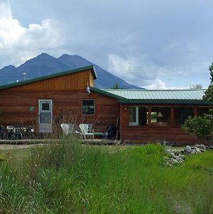 Emigrant Cabin On 10 Acres With Bbq & Peaceful Views! photos Exterior
