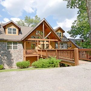 Updated Branson Home, 5 Min To Silver Dollar City! photos Exterior