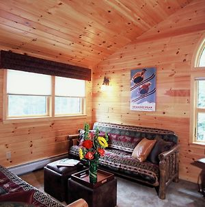 Upscale Fryeburg Cabin Hot Tub And Billiards Table! photos Exterior