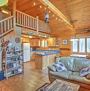 Remote Pentwater Cabin With Wooded Views Near Town! photos Exterior