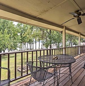 Waterfront Family Retreat With Deck On Kentucky Lake! photos Exterior