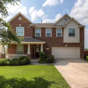 Welcoming Live Oak Home With Backyard & Game Room! photos Exterior