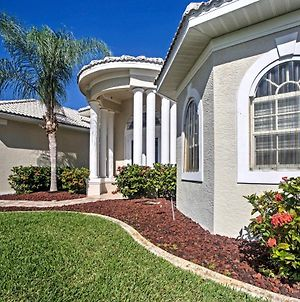 Cape Coral Canalfront Home With Pool, Lanai And Dock! photos Exterior