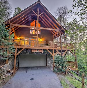 Spacious Maggie Valley Cabin With Hot Tub And Mtn View photos Exterior