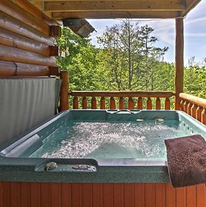 Sevierville Cabin With Spa And Decks 8Mi To Gatlinburg photos Exterior