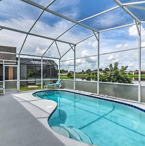 Explore Disney And Universal From This Home With Pool! photos Exterior