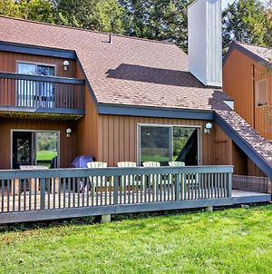 Stowe Townhome With Deck, Mtn Views & Resort Perks! photos Exterior
