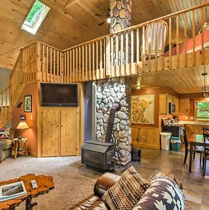 Trout Lake Cabin With Private Dock, Kayaks & Loft! photos Exterior