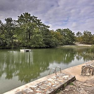 Hunt Home With Deck & 2 Kayaks On The Guadalupe River photos Exterior
