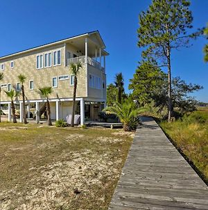 Riverfront Carrabelle Home With Patio And Private Dock photos Exterior