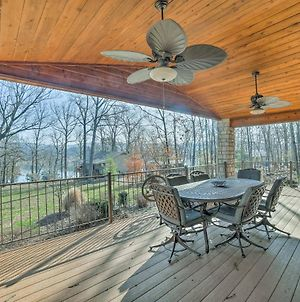 Home With 2 Decks & Fire Pit-Steps To Table Rock Lake photos Exterior