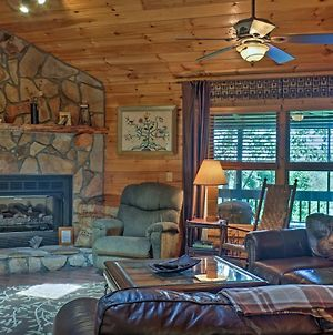 Cozy Ellijay Cabin With Hot Tub And Game Room! photos Exterior