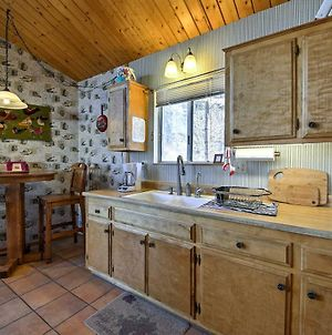 Cabin With Mtn Views & Deck, 5 Min To Arrowbear Lake! photos Exterior