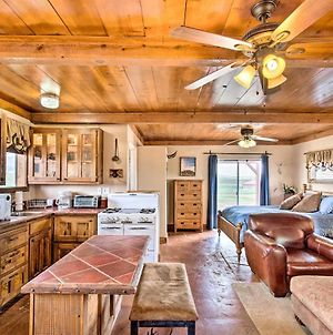Rustic Studio, 2 Miles To Village Of Elgin Winery! photos Exterior