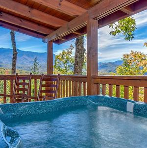 Breathtaking View Cabin With Covered Deck And Hot Tub photos Exterior
