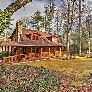 Pristine Sapphire Resort Cabin With Deck & Game Room photos Exterior