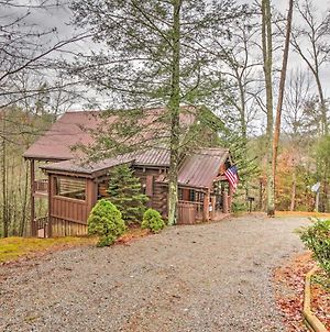 Sevierville Serenity Cozy Cabin With Hot Tub And Games photos Exterior
