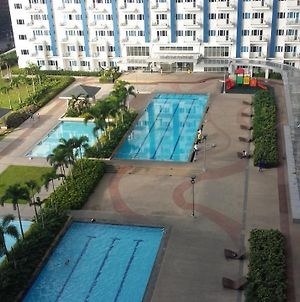 Cozy 1-Bedroom Condominium With Pool View At The Heart Of The City photos Exterior